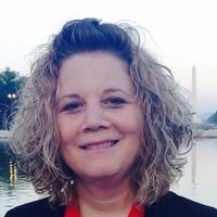 Headshot of Lisa Meade